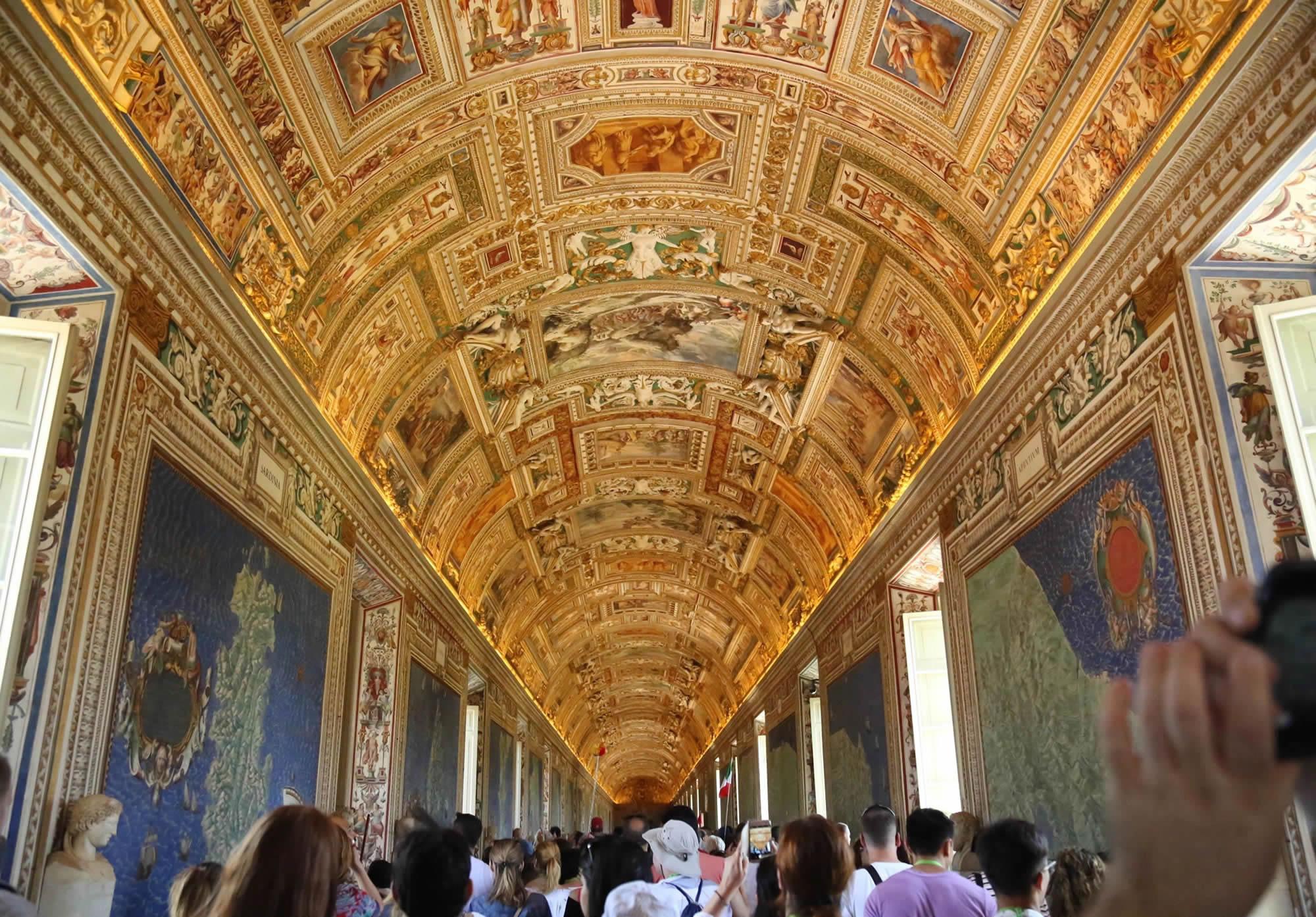 La Galleria delle carte geografiche nei Musei Vaticani a Roma