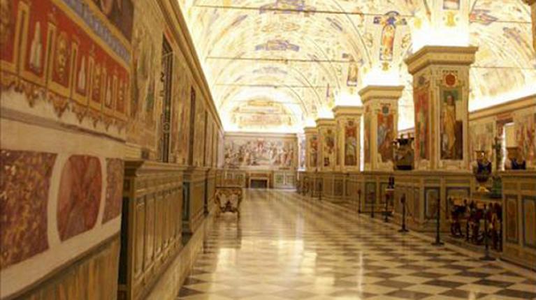 Interno della Galleria delle Carte Geografiche nei Musei Vaticani a Roma